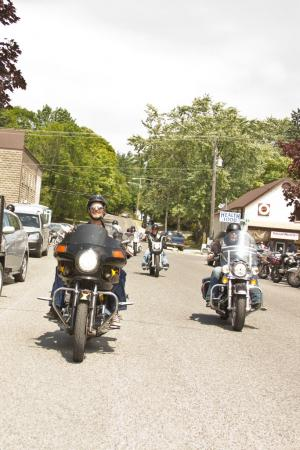 Group-Ride-in-Manitoulin