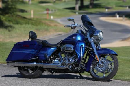 2013 Harley Davidson CVO Road King 01
