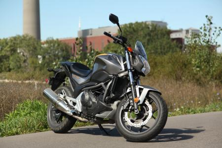 mo-beginner-2013-honda-nc700s-13-right
