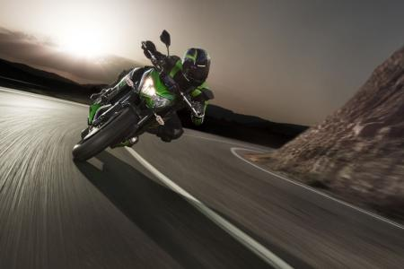 092512-intermot-preview-kawasaki-z800