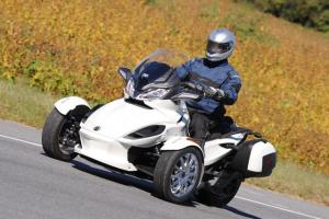 2013 Can-Am Spyder Action White