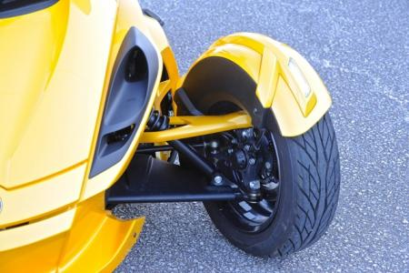 2013 Can-Am Spyder Front Suspension 02