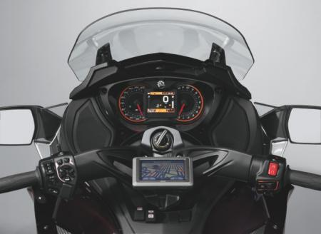 2013 Can-Am Spyder ST LTD Gauges
