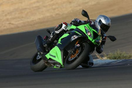 2013 Kawasaki Ninja ZX 6R Action Front Right