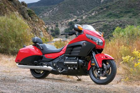 2013 Honda GoldWing F6B Deluxe Red Profile