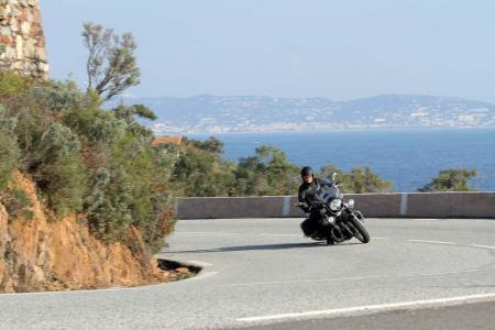 2013-moto-guzzi-california-1400-touring-action-19