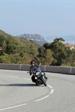 2013-moto-guzzi-california-1400-touring-action-22