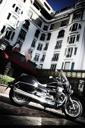 2013-moto-guzzi-california-1400-touring-static-01