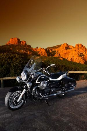 2013-moto-guzzi-california-1400-touring-static-15