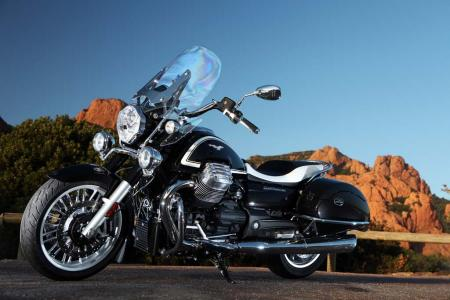 2013-moto-guzzi-california-1400-touring-static-16