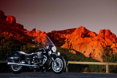 2013-moto-guzzi-california-1400-touring-static-17