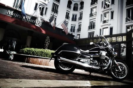 2013-moto-guzzi-california-1400-touring-static-20