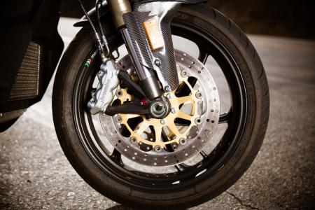 2012-brammo-empulse-r-front-wheel-06
