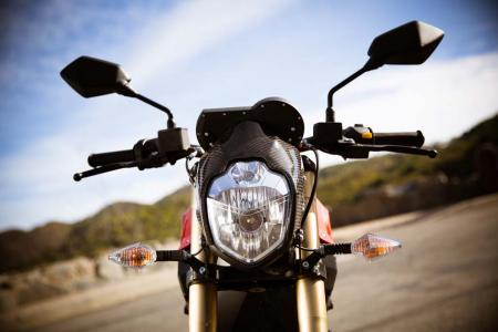 2012-brammo-empulse-r-headlight-26