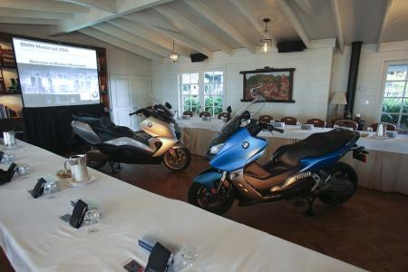 2013-bmw-c-scooters-launch-event-03