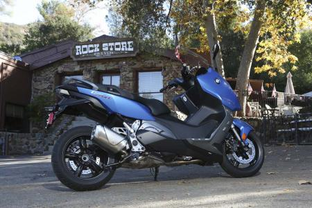 2013-bmw-c600-sport-27-static-right