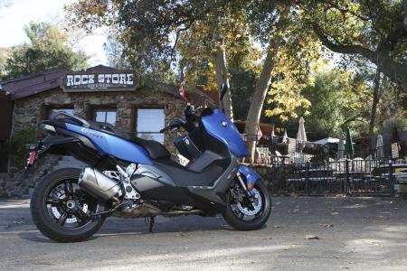 2013-bmw-c600-sport-28-static-right