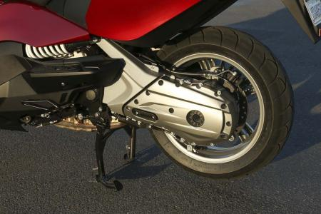 2013-bmw-c650-gt-12-rear-wheel-left