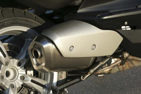 2013-bmw-c650-gt-18-exhaust
