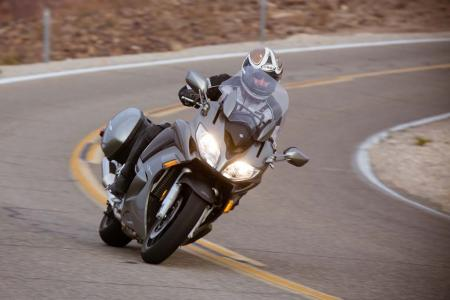 2013 Yamaha FJR1300 Action Cornering