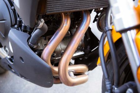 2012-kawasaki-versys-15-exhaust-pipes
