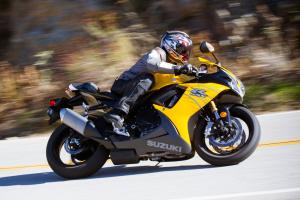 2013 Oddball Sportbike Shootout Suzuki GSX-R750 Action Right