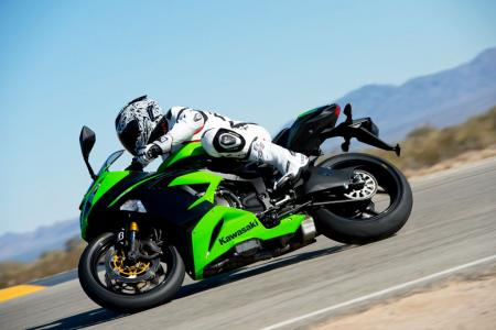 2013 Kawasaki Ninja ZX-6R Action Left
