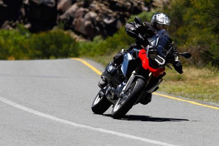 2013-BMW-R1200GS-Action-Street-Cornering-Left