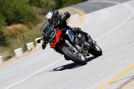 2013-BMW-R1200GS-Action-Street-Front