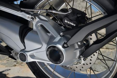 2013-BMW-R1200GS-Detail-09