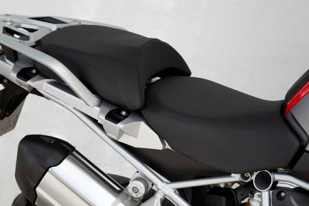 2013-BMW-R1200GS-Detail-17