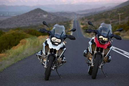 2013-BMW-R1200GS-Pair-Front