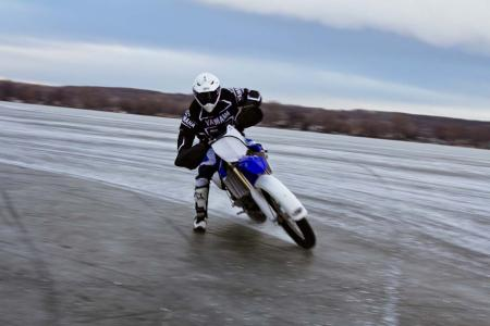 motorcycle-com-goes-ice-racing-30