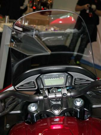 2014-honda-ctx600-display