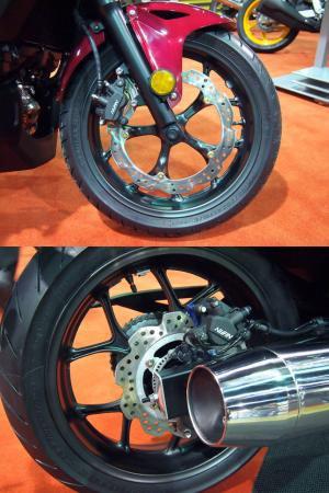 2014-honda-ctx600-wheels-comparison