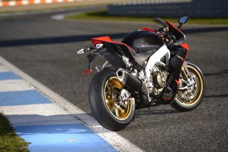 2013_Aprilia_RSV4_Factory_APRC_ABS_Estoril (23)