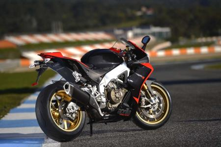 2013_Aprilia_RSV4_Factory_APRC_ABS_Estoril (29)