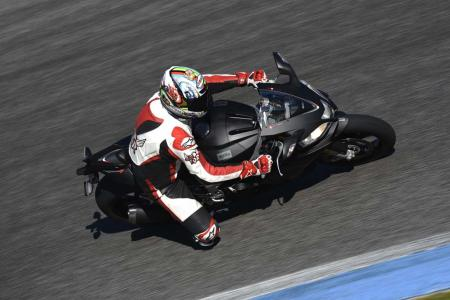 2013_Aprilia_RSV4R_APRC_ABS_TOR_Estoril (4)