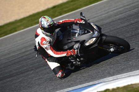 2013_Aprilia_RSV4R_APRC_ABS_TOR_Estoril (7)