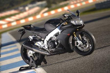 2013_Aprilia_RSV4R_Estoril (2)