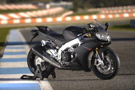 2013_Aprilia_RSV4R_Estoril