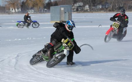 Ice-Racing-in-Wisconsin