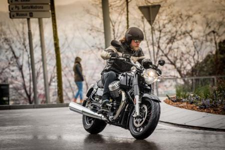 2013 Moto Guzzi California 1400 Custom Action Rain