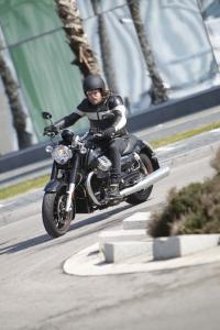 2013 Moto Guzzi California 1400 Custom Action Cornering