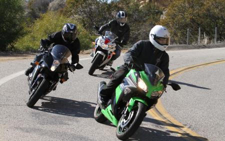 2013 250 Sportbike Shootout Group Action 11