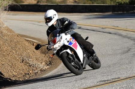 2013 Honda CBR250R Action Front Left