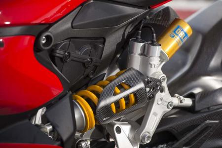 _4MC1798-2013-ducati-1199-panigale-r-ohlins-rear-suspension