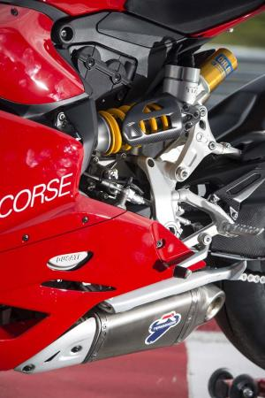 _4MC1799-2013-ducati-1199-panigale-r-ohlins-rear-suspension
