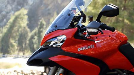 pic1-2013-ducati-multistrada-s-touring-front-left-side