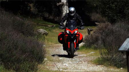 pic5-2013-ducati-multistrada-s-touring-off-road
